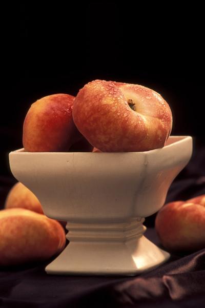 Saturn-, Platt-, Flach- oder chinesische Pfirsiche. Auch Pan Tao genannt. Bild: U.S. Department of Agriculture via flickr.com. Creative Commons 2.0