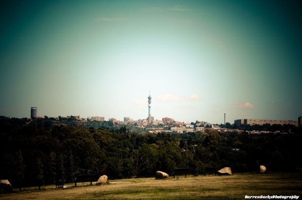 """Johannesburg Skyline"" von sacks08 via flickr.com. Lizenz: Creative Commons"