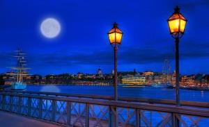 """Spring Moon over Stockholm"" von  Tobias Lindman via flickr.com. Lizenz: Creative Commons"