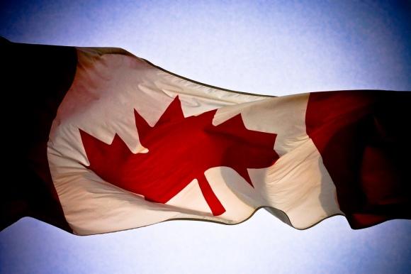 Canada flag on CNE. Taken in Toronto @ December 21, 2006. Foto von Alex Indigo via flickr.com. Lizenz:  Creative Commons