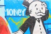 """Money!""  Grafitti an Venice Beach, California, fotografiert von Thomas Galvez, geteilt über flickr.com. Lizenz: Creative Commons"
