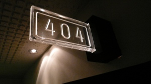 """404 sign, Love Hotel, Shibuya, Tokyo, Japan"" von Cory Doctorow via flickr.com. Lizenz: Creative Commons"