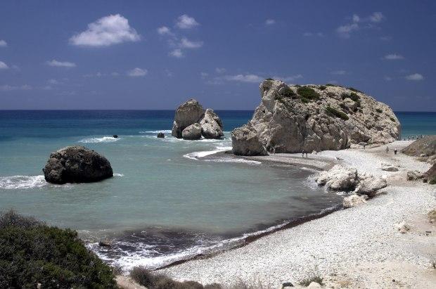 Das Paradies im Mittelmeer hat Volker Baums nur virtuell besucht. Aphrodite's Rocks, Cyprus. Bild von Colin Moss via flickr.com. Lizenz: Creative Commons