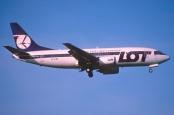 177bi - LOT Polish Airlines Boeing 737-300; SP-LMC@ZRH;07.05.2002. Foto von Aero Icarus via flickr.com. Lizenz: Creative Commons