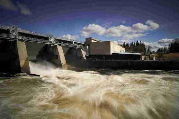 Dieses Wasserkraftwerk in Boden versorgt KnCs Mining-Farm mit grüner Energie