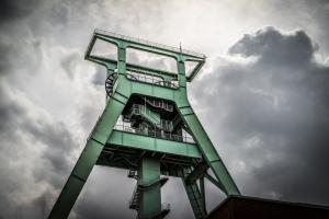 Alte Minen sind zwar nicht das passendste, aber das hübscheste Motiv, um das Bitcoin-Mining zu illustrieren. Hier eine Zeche bei Bochum, aufgenommen von x1klima, geteilt über flickr.com. Lizenz: Creative Commons