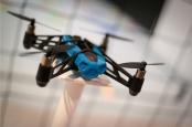 Kann mit dem richtigen Kryptogeld zum unabhängigen Wirtschaftssubjekt werden: Maschinen wie diese Drohne hier. Bild: Drones von Jason Cipriani via flickr.com. Lizenz: Creative Commons