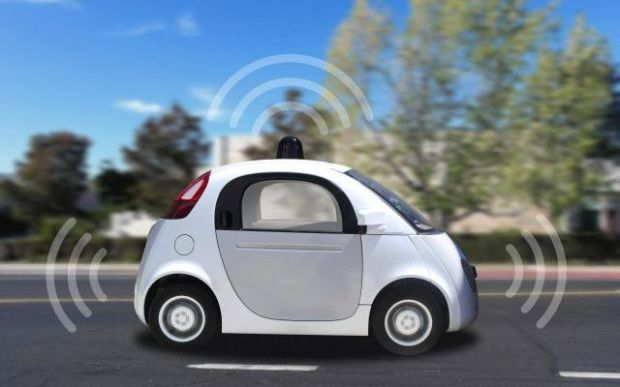 Selbstfahrend, selbstbezahlend, selbstverwaltet - das Auo der Zukunft? Bild: Le auto a guida autonoma: the Driverless Cars, von Automobile Italia via flickr.com. Lizenz: Creative Commons