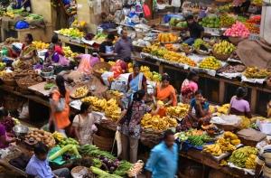 Kann das ohne Bargeld funktionieren? Markt in Indien. Foto von Liv Unni Sødem via flickr.com. Lizenz: Creative Commons