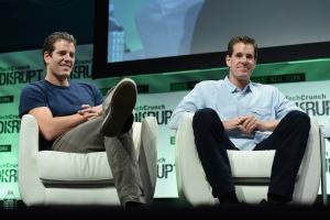 Taylor und Cameron Winklevoss auf der TechCrunch Disrupt. Bild von TechCrunch via flickr.com. Lizenz: Creative Commons