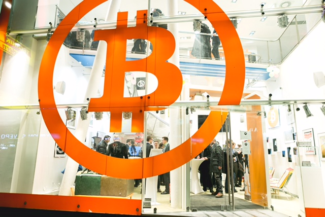 2020 how much money can you make mining bitcoins bitcoin trader wien